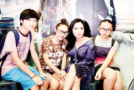 Thanh Lam luôn dạy các con nhìn vào gương của mẹ để sống đúng mực (ảnh nhân vật cung cấp)