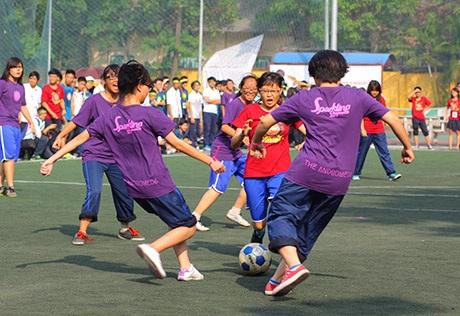 Giải đấu bóng đá nữ của trường THPT Chu Văn An