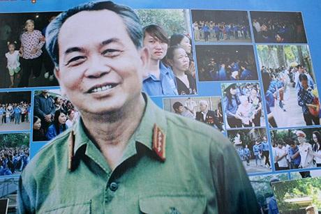 Hình ảnh Đại tướng luôn sáng mãi trong lòng thế hệ trẻ