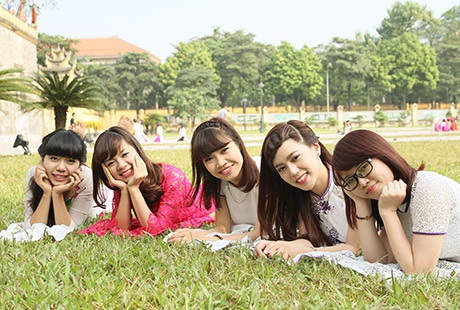 Những cô gái đáng yêu trường KTQD