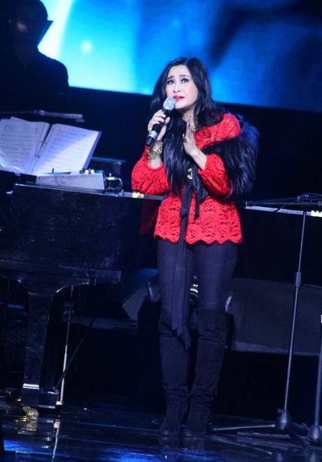 Thanh Lam hát