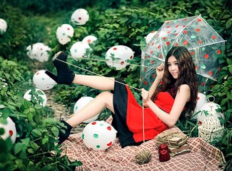 Lily Luta chụp ảnh thời trang Noel