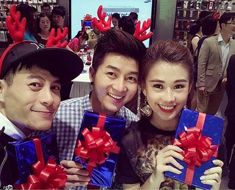 Phở Ngọc Thảo vui Noel Sài Gòn cùng bạn bè