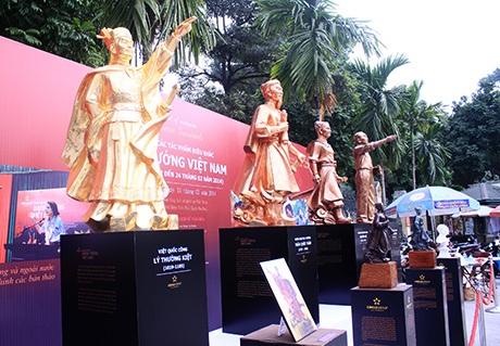 Tác phẩm điêu khắc 4 vị danh tướng Việt Nam đang được trưng bày tại Bảo làng lịch sử quân sự