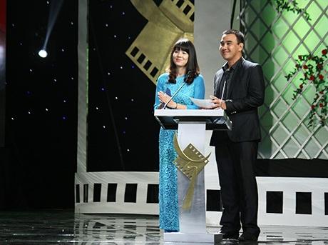 BTC Diễm Quỳnh và MC Quyền Linh công bố giải
