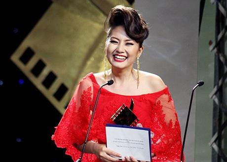 Nữ diễn viên Ngọc Lan hạnh phúc vì được nhận giải diễn viên chính xuất sắc sau 11 năm đóng phim