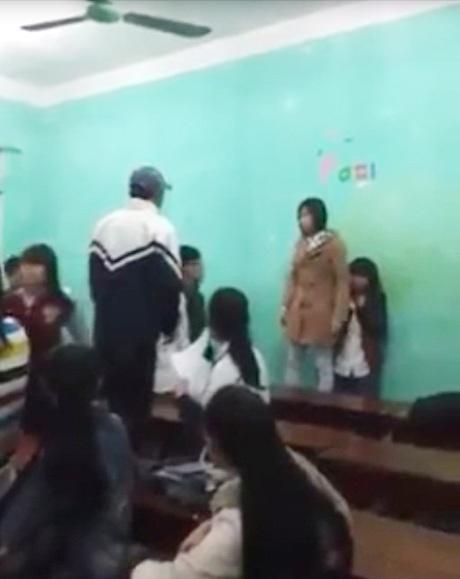 Một cô gái đã dũng cảm đứng lên bảo vệ bạn