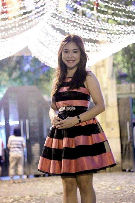 Nữ sinh xúng xính váy áo dự prom.