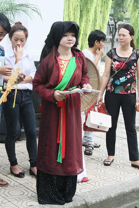 Phục trang liền chị trong các buổi diễn quan họ Bắc Ninh.
