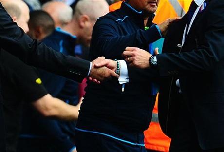 Mourinho đã chờ sẵn người trợ lý cũ của mình tới chào