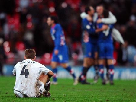 Năm 2007, Gerrard và các đồng đội thua đau đớn 2-3trên sân nhà trước Croatia