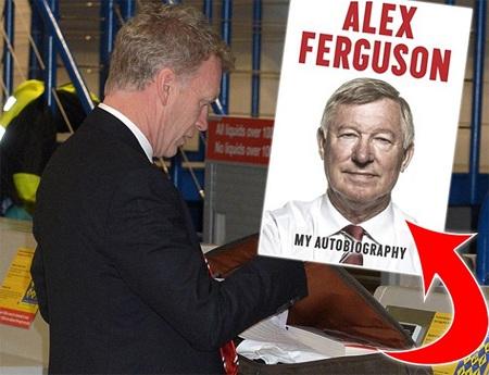 Cuốn tự truyện của Ferguson trong va li của Moyes