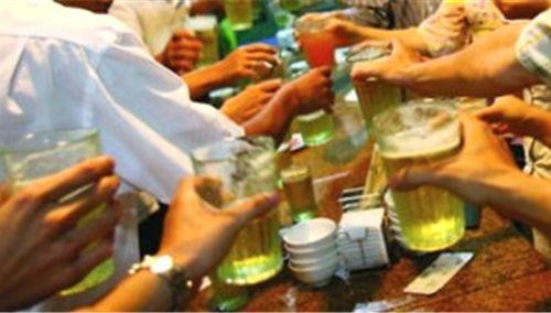 Các doanh nghiệp bia rượu đang cấp tập tăng sản lượng cho thị trường Tết