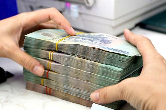 Nhu cầu tiền mặt cao khiến các ngân hàng tăng hoạt động vay mượn để đảm bảo thanh khoản
