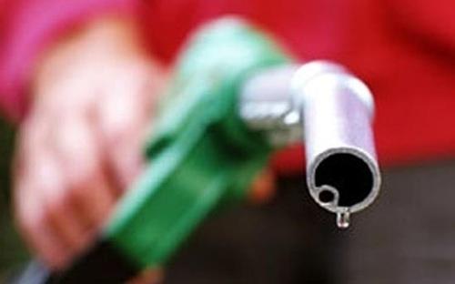 Phí bảo vệ môi trường với giá xăng sẽ tăng gấp 3 từ tháng 5 tới.