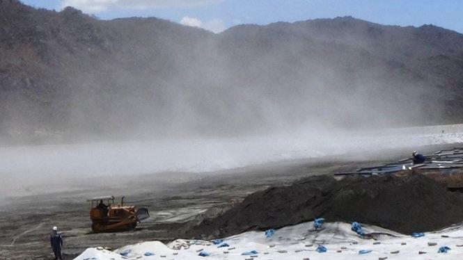 Việc vận chuyển xỉ than gây ảnh hưởng lớn tới đời sống người dân Bình Thuận