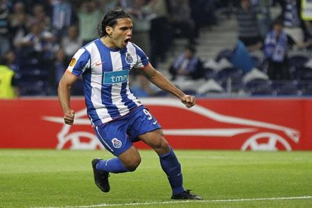 """""""Sát thủ"""" Falcao sẵn sàng theo chân Villas Boas đến Chelsea - 1"""