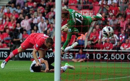 Những khoảnh khắc đáng nhớ vòng 3 Premier League