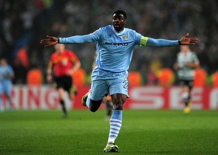 Kolo Toure có tên trong danh sách dự Premier League nhưng đã bịngó lơở Champions League