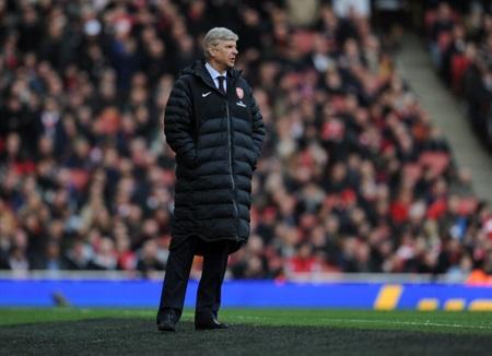 Wenger đang gặp rất nhiều chỉ trích và áp lực sau thất bại cay đắng trước Blackburn
