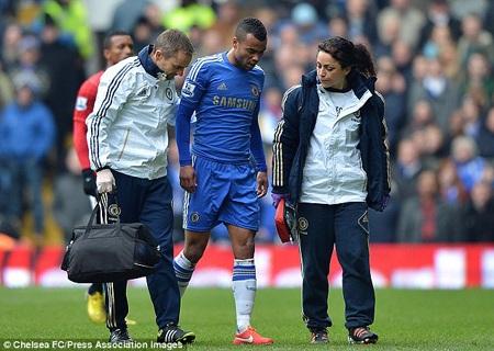 Chelsea sẽ thiếu vắng sự phục vụ của Ashley Cole trong vòng 2 tuần tới