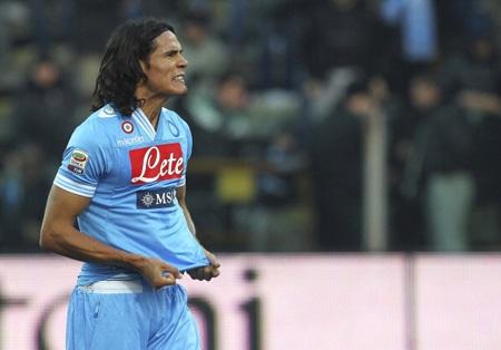 """Man City đã bỏ cuộc vì đòi hỏi """"trên trời"""" của Napoli ở trường hợp Cavani"""
