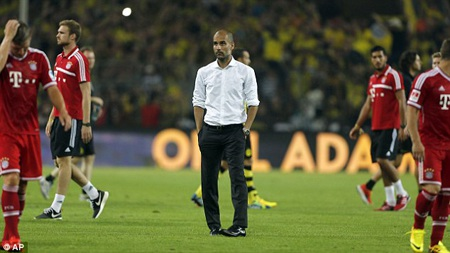 Pep Guardiola đã phải nhận lấy thảm bại đầu tiên cùng Bayern Munich