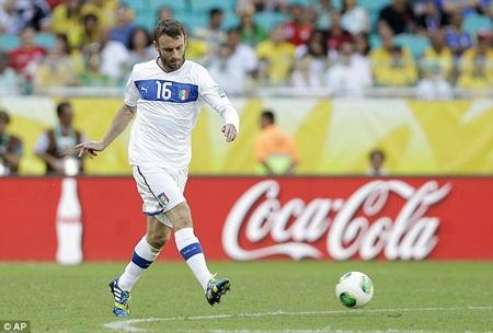 """Chiêu mộ được De Rossi sẽ là một thắng lợi lớn của Chelsea ở """"phiên chợ Hè"""" 2013"""