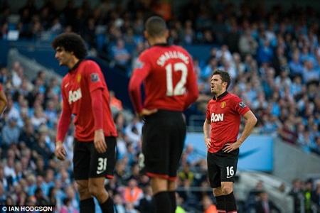 Trận thuatan nát ở Etihad khiến các CĐV MU thêm nhớ Sir Alex Ferguson...