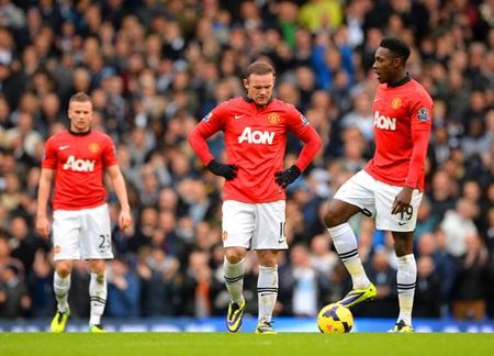 Không có Percy, Rooney các đồng đội đành phải gồng mình lên và chiến đấu với Aston Villa