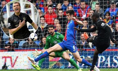 Cú sẩy chân của Liverpool tiếp thêm sức mạnh cho Man City dễ dàng hạ gục Palace