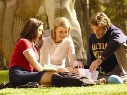 Cơ hội học bổng và vừa học vừa thực tập hưởng lương tại Anh  - 1