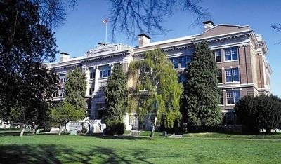Lễ trao giải cuộc thi viết luận tiếng Anh và gặp gỡ đại diện Nhóm trường Trung học Greater Victoria, bang British Columbia, Canada - 2