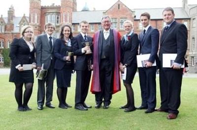 2 chương trình học bổng bậc trung học tại Anh và New Zealand - 2
