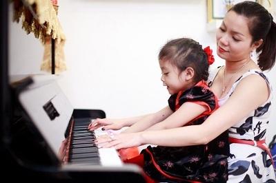 Ca sỹ Ngọc Anh: Bí quyết chăm sóc con những ngày bận rộn
