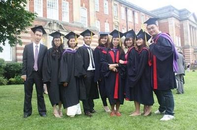Học tại Việt Nam - Nhận bằng tại Anh