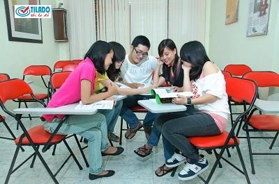 Tilado cung cấp môi trường học tập thân thiện và trẻ trung cho học viên.