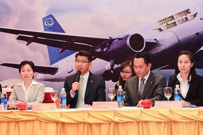 Ban Giám đốc Hanwha Life Việt Nam trong lễ công bố thương hiệu mới.