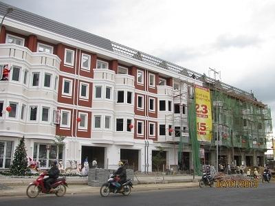 Khu A dự án (mặt tiền đường Trần Phú) đã hoàn thành 90%.