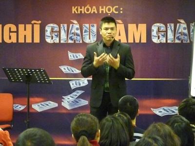 Ông Phạm Ngọc Anh - - Chủ tịch công ty CP Đào Tạo ASK.