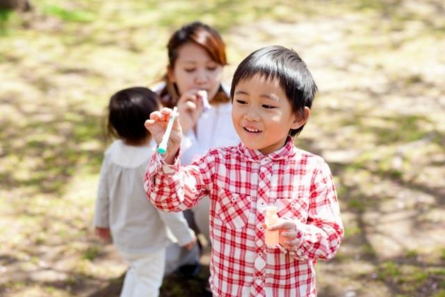 """Chủ động cho trẻ chủng ngừa vi-rút Rota để tạo """"lớp vỏ bọc vàng"""" cho trẻ."""