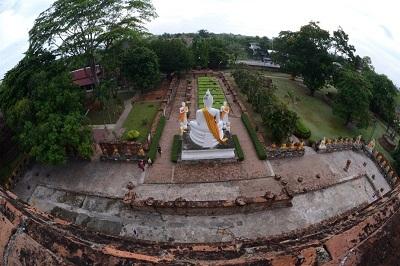 Cố đô Ayutthaya với lịch sử văn hóa lâu đời cũng để lại nhiều ấn tượng với du khách.