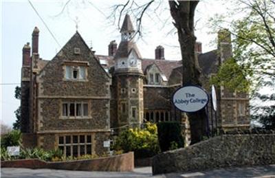 Học bổng 100% học phí trường nội trú Abbey, Anh Quốc