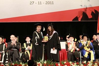 Phan Việt Nga, cô gái đầu tiên nhận học bổng toàn phần từ trường đại học Bournemouth – UK
