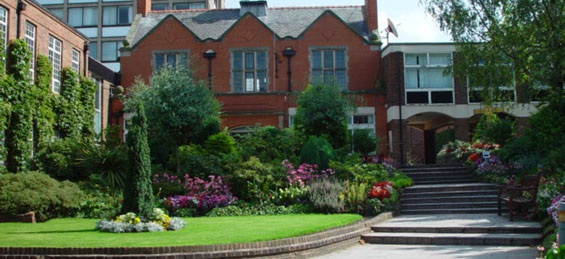 2. Trường đại học Anglia Ruskin