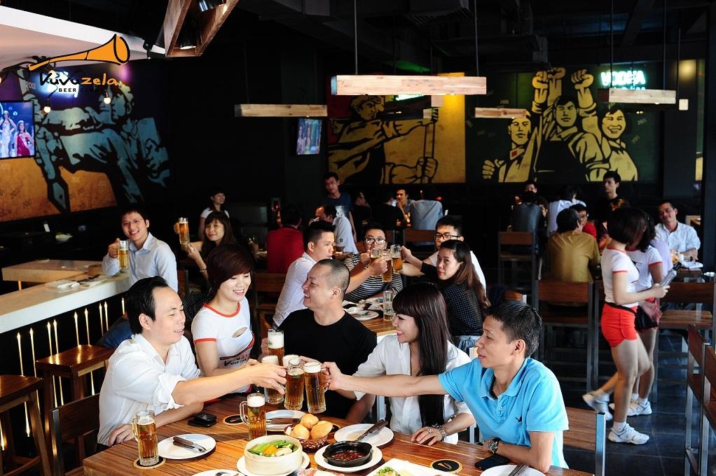 """Theo anh Nguyễn Minh Thành, một khách hàng quen của Vuvuzela cho biết: """""""