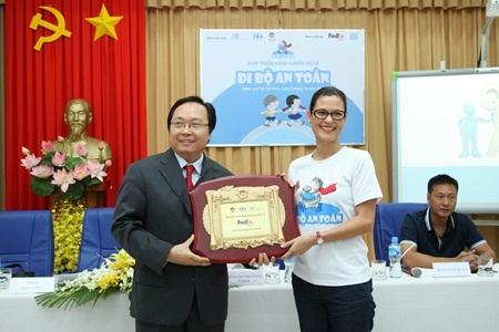 Ông Nguyễn Duy Bình, Giám đốc vùng Đông Dương, trưởng đại diện FedEx Việt Nam tại chương trình