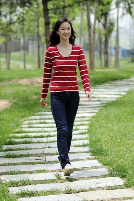 Hãy ra ngoài đi bộ một lúc và tận hưởng không khí trong lành