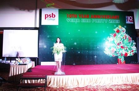Hiệu trưởng trường Quốc tế PSB phát biểu khai mạc chương trình Year End 2013