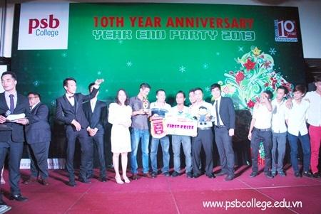Sôi nổi phần trao phần thưởng cho Giải Bóng Đá PSB Football Championship 2013.